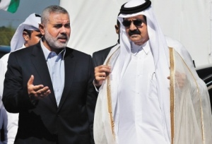 Qatar's Emir Hamad bin Khalifa al-Thani (right) in Gaza with Hamas strongman Ismail Haniyeh