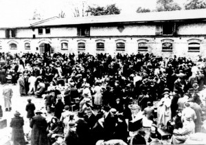 Thousands of deported Jews from Germany at the Polish border near Zbaszyn